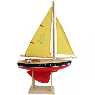 Voilier Tirot 500 coque rouge voile jaune 30 cm