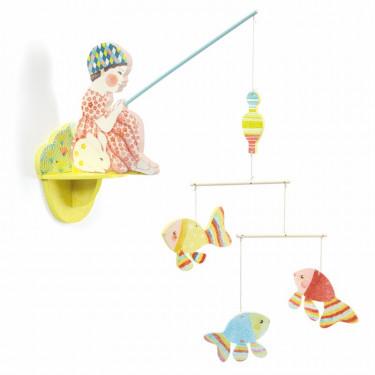 Mobile en bois à accrocher au mur 'Petite fille à la pêche' DJECO 4355