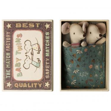 Bébés souris jumeaux dans leur boîte Maileg