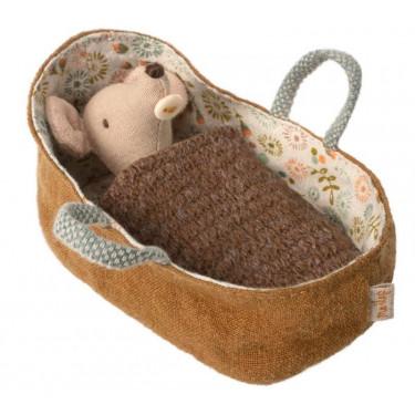 Bébé souris dans son couffin Maileg